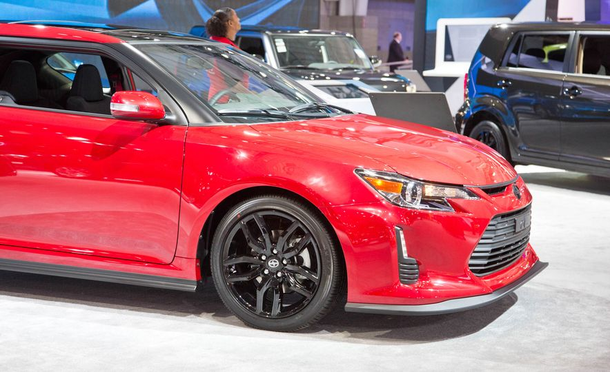 2016 Scion tC Release Series 10.0 - Slide 7
