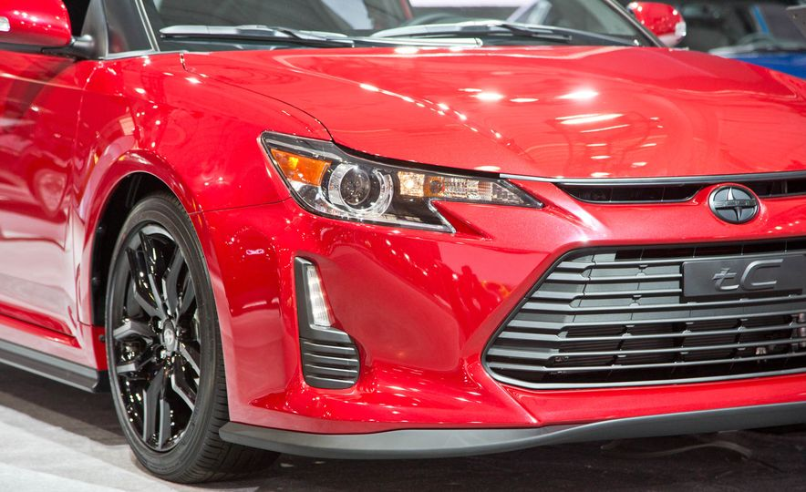 2016 Scion tC Release Series 10.0 - Slide 9