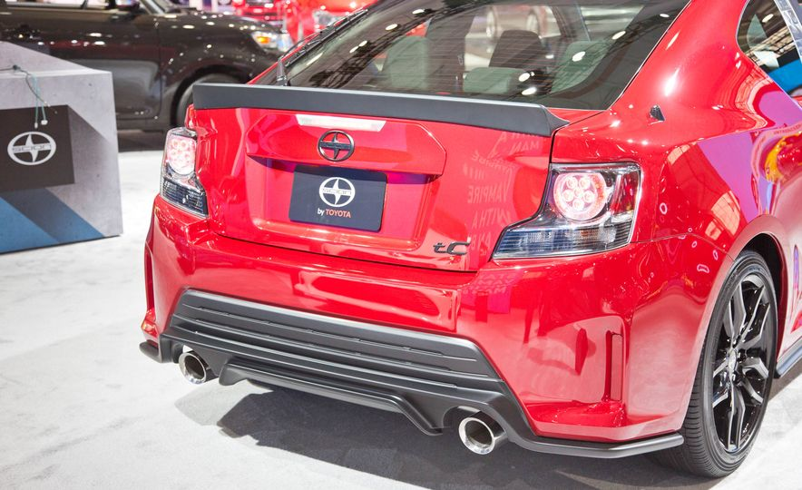 2016 Scion tC Release Series 10.0 - Slide 11
