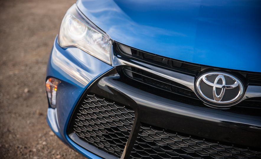 2016 Toyota Camry SE, 2016 Chevrolet Malibu LT, 2016 Honda Accord Sport, and 2016 Mazda 6 i Touring - Slide 56