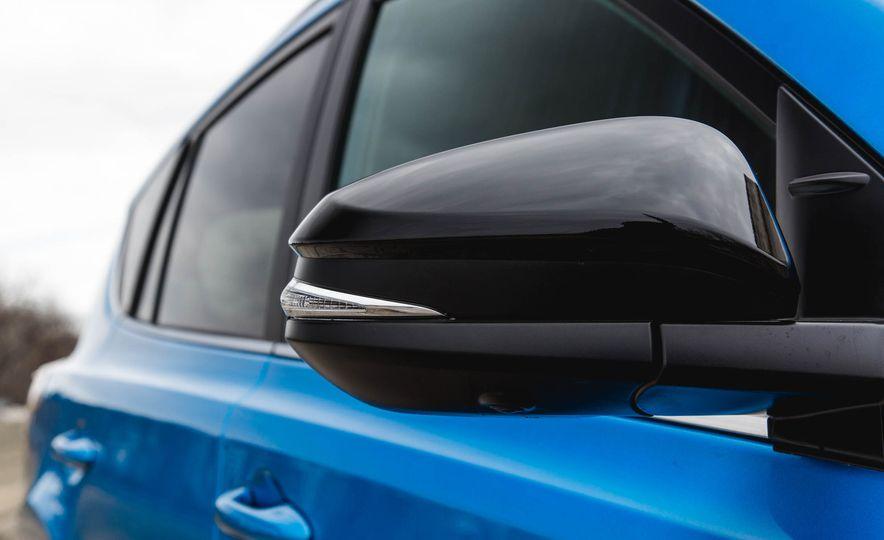 2016 Toyota RAV4 SE - Slide 22