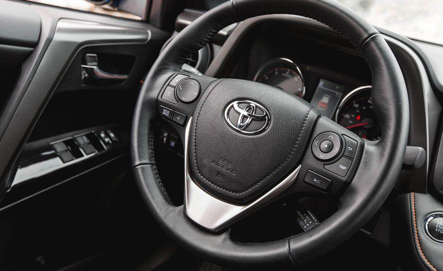 2016 Toyota RAV4 SE - Slide 38