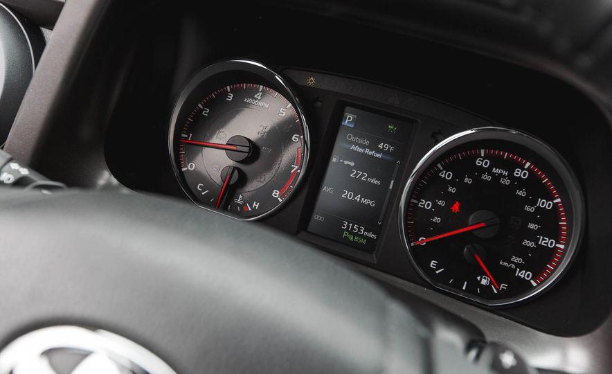 2016 Toyota RAV4 SE - Slide 39