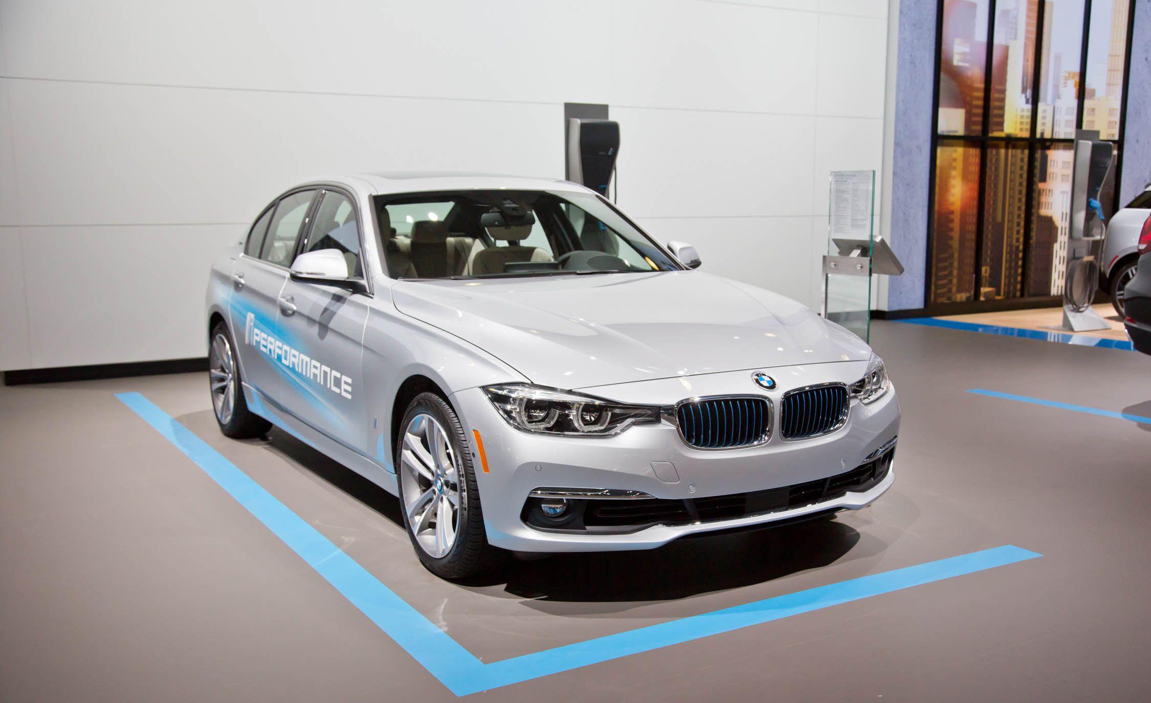 2017 BMW 330e iPerformance s and Info News
