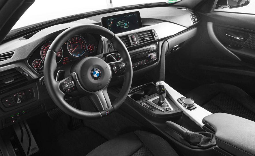 2017 BMW 330e iPerformance - Slide 14