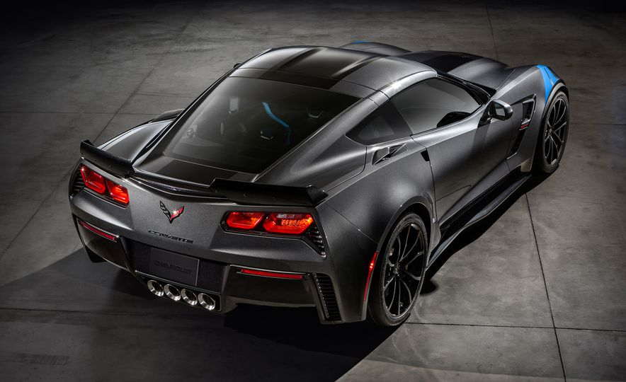 2017 Chevrolet Corvette Grand Sport - Slide 17