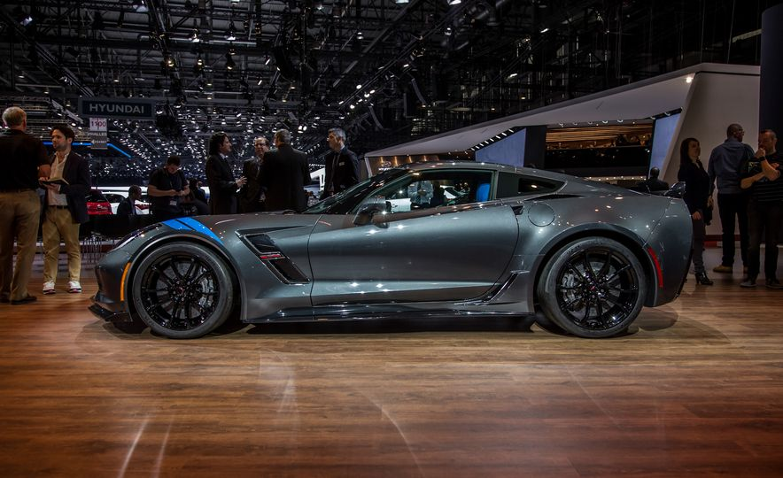 2017 Chevrolet Corvette Grand Sport - Slide 3