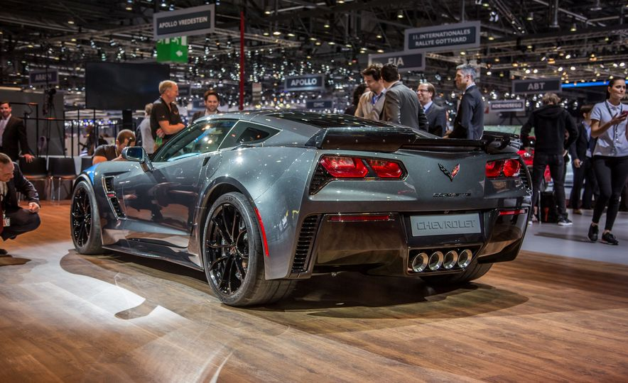 2017 Chevrolet Corvette Grand Sport - Slide 5