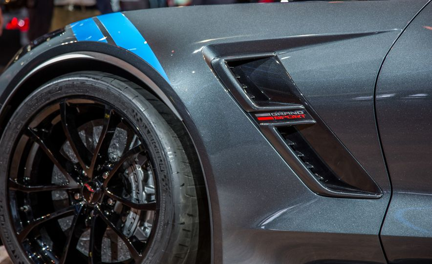 2017 Chevrolet Corvette Grand Sport - Slide 11