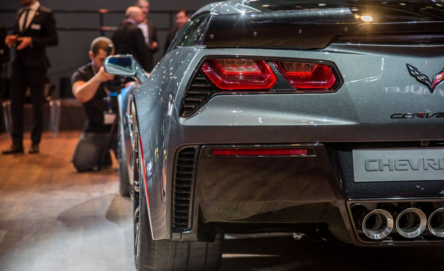 2017 Chevrolet Corvette Grand Sport - Slide 12