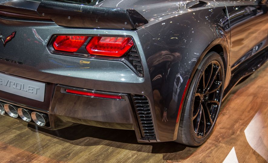 2017 Chevrolet Corvette Grand Sport - Slide 13