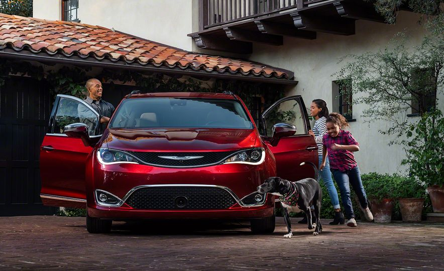 2017 Chrysler Pacifica and Pacifica plug-in hybrid - Slide 8