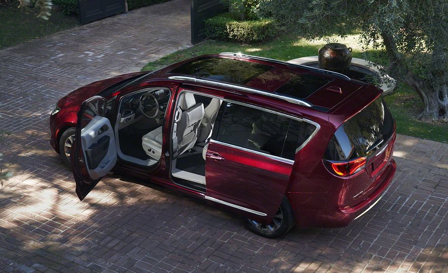 2017 Chrysler Pacifica and Pacifica plug-in hybrid - Slide 12