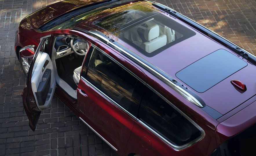 2017 Chrysler Pacifica and Pacifica plug-in hybrid - Slide 13