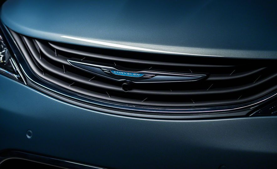 2017 Chrysler Pacifica and Pacifica plug-in hybrid - Slide 40