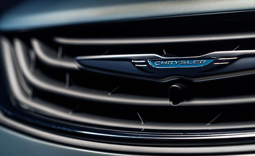 2017 Chrysler Pacifica and Pacifica plug-in hybrid - Slide 42