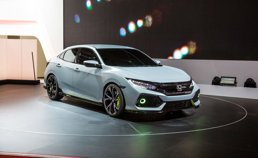 2017 Honda Civic Hatchback Prototype - Slide 1