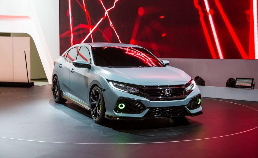 2017 Honda Civic Hatchback Prototype - Slide 2