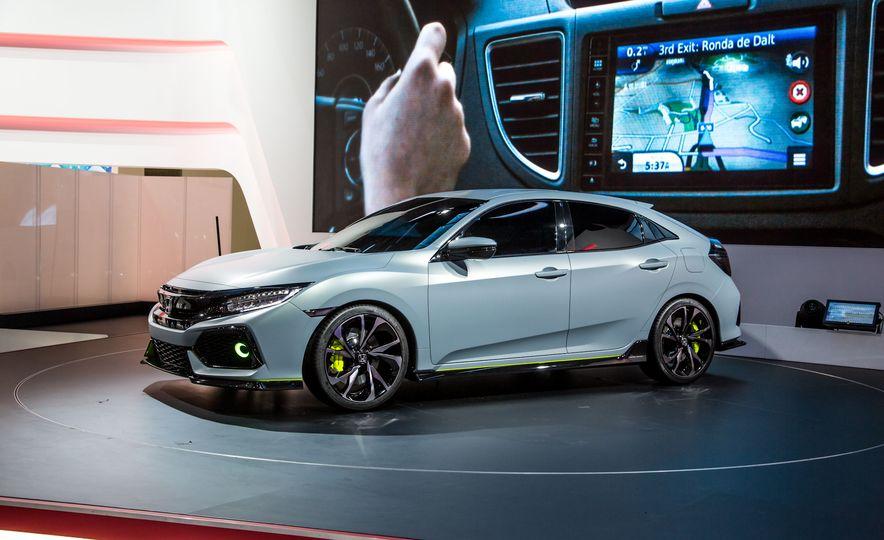 2017 Honda Civic Hatchback Prototype - Slide 6