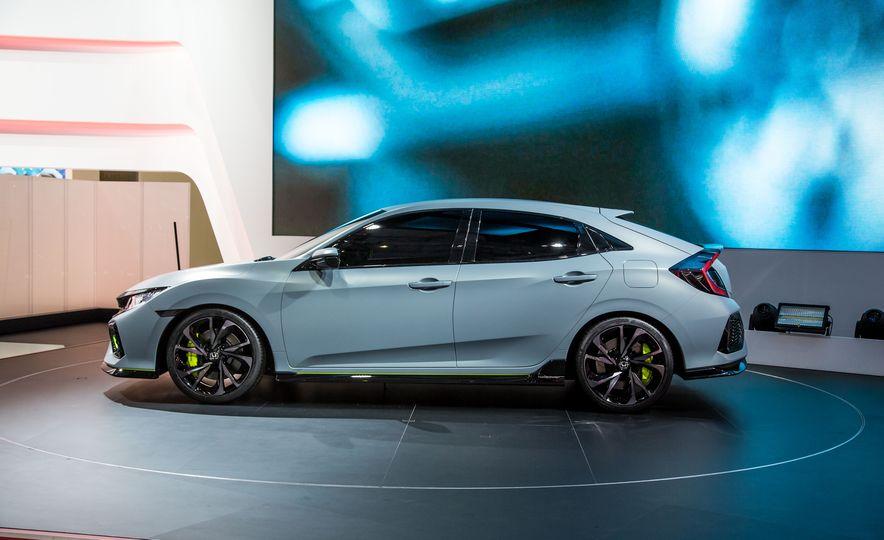 2017 Honda Civic Hatchback Prototype - Slide 7
