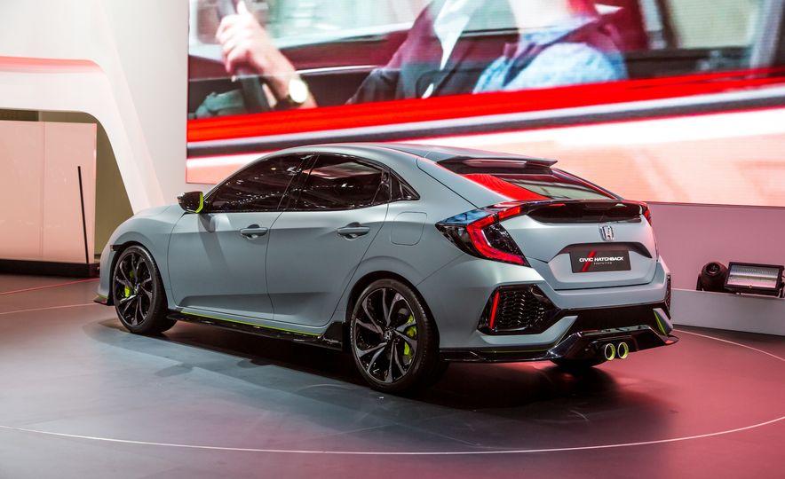 2017 Honda Civic Hatchback Prototype - Slide 9