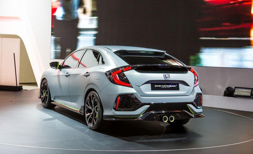 2017 Honda Civic Hatchback Prototype - Slide 10