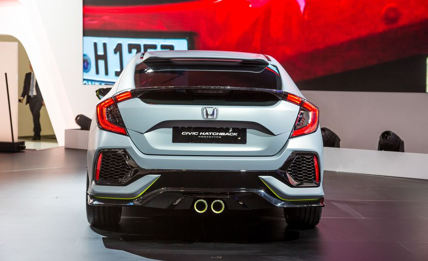 2017 Honda Civic Hatchback Prototype - Slide 11