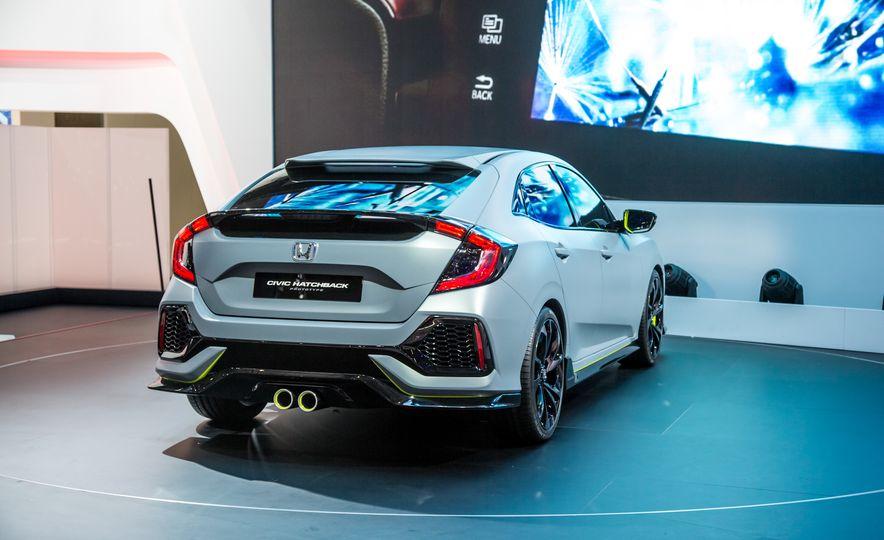 2017 Honda Civic Hatchback Prototype - Slide 12