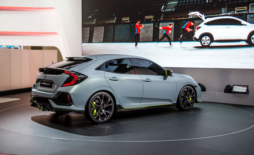 2017 Honda Civic Hatchback Prototype - Slide 13