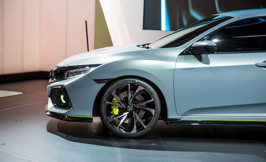 2017 Honda Civic Hatchback Prototype - Slide 15