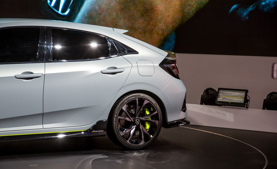 2017 Honda Civic Hatchback Prototype - Slide 16