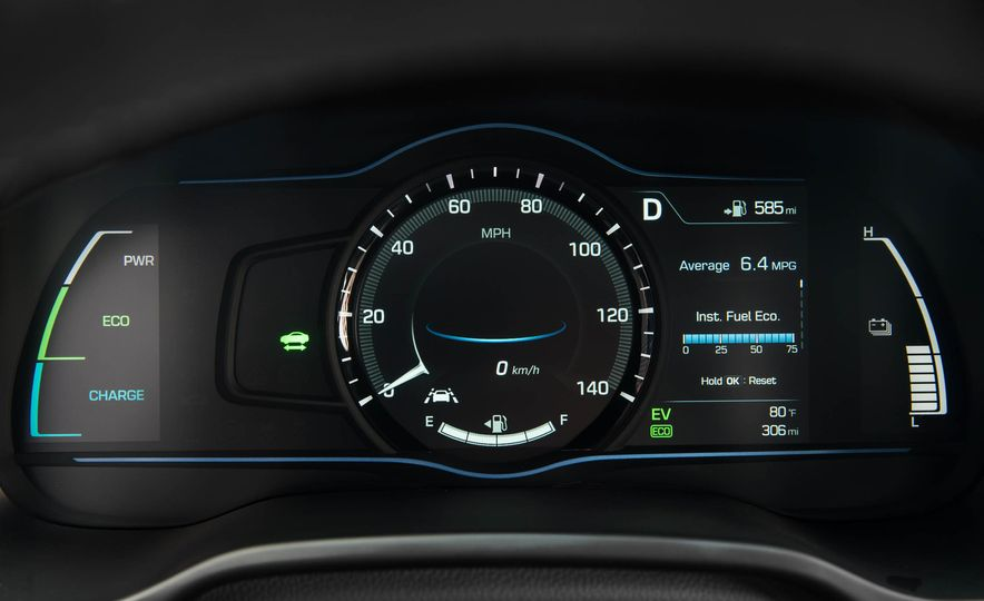 2017 Hyundai Ioniq plug-in hybrid - Slide 49