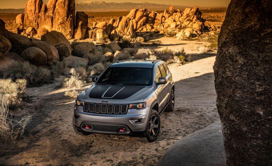 2016 Jeep Grand Cherokee Summit - Slide 15