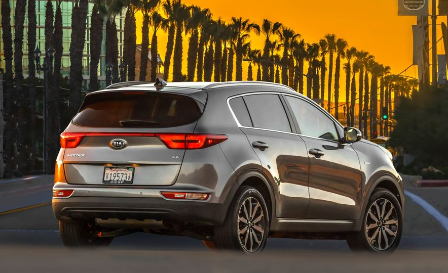 2017 Kia Sportage SX Turbo - Slide 28