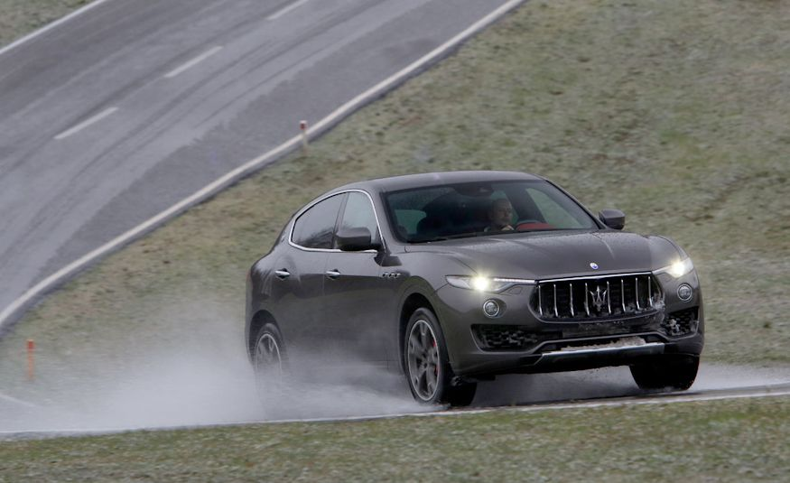 2017 Maserati Levante - Slide 1