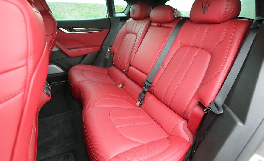 2017 Maserati Levante - Slide 52