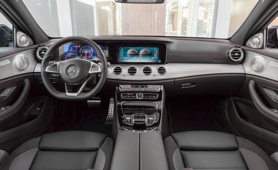 2017 Mercedes-AMG GT R - Slide 40