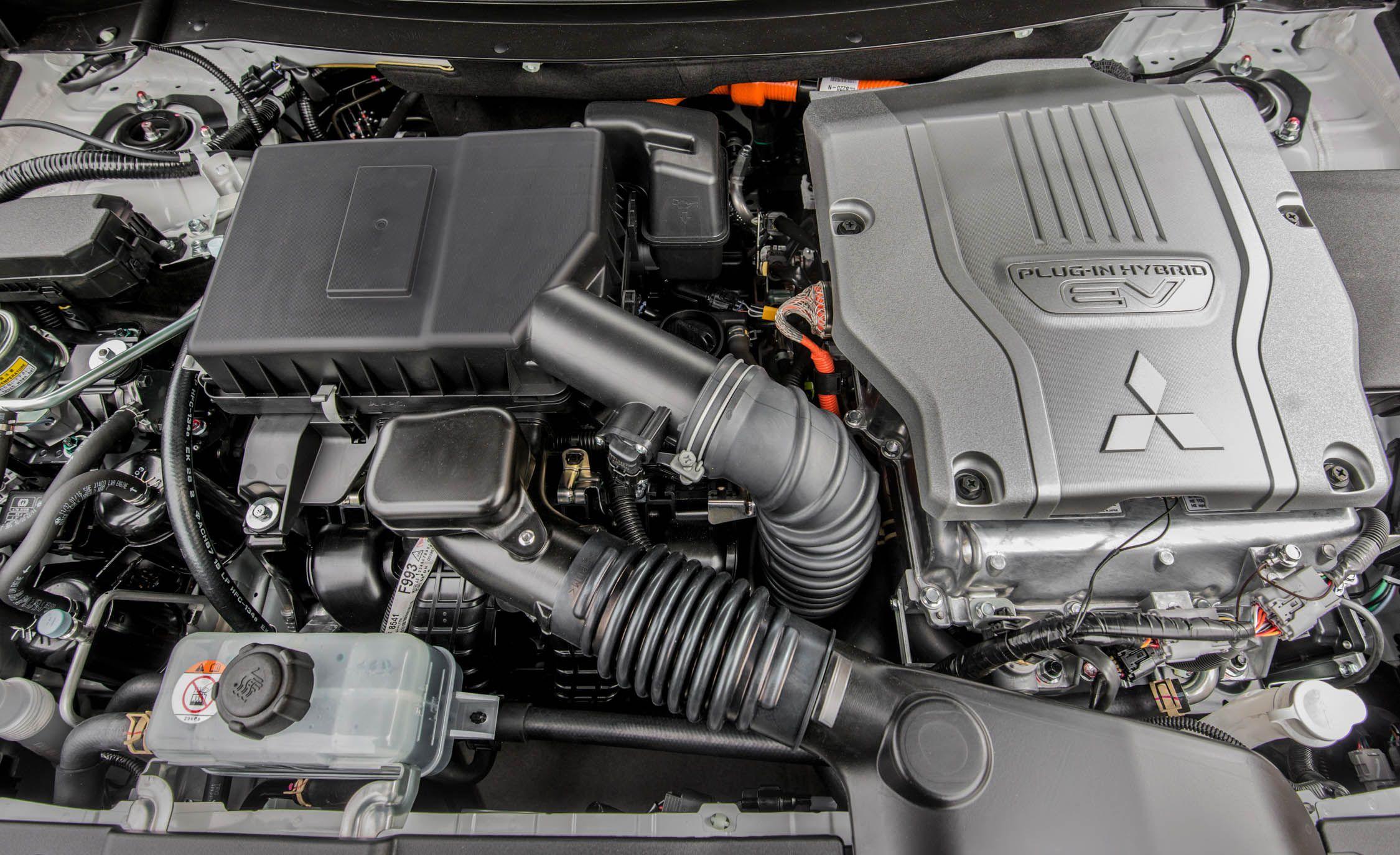 2019 Mitsubishi Outlander Reviews | Mitsubishi Outlander Price, Photos, and Specs | Car and Driver