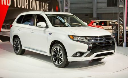 Plugged In: 2017 Mitsubishi Outlander PHEV Makes Its U.S. Debut