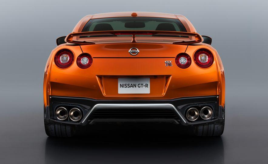 2017 Nissan GT-R - Slide 59