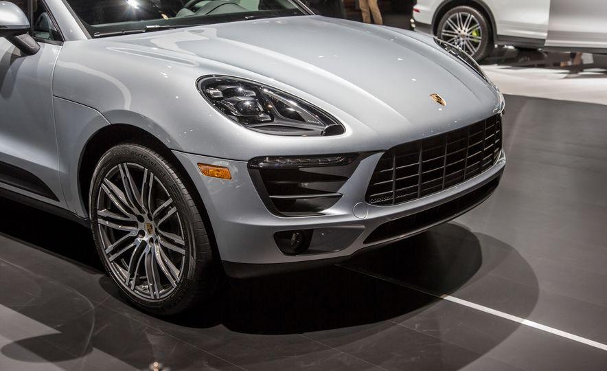 2017 Porsche Macan - Slide 7