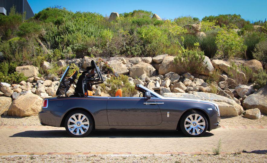 2016 Rolls-Royce Dawn - Slide 32