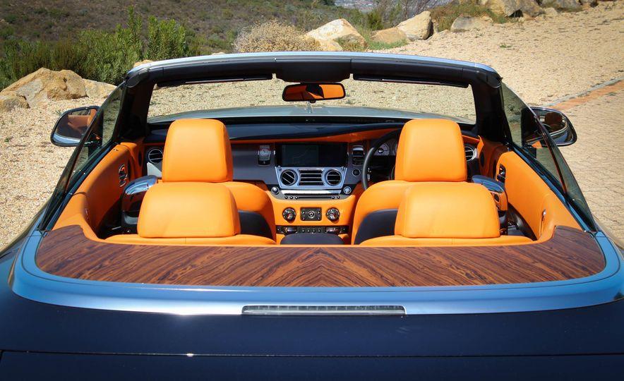 2016 Rolls-Royce Dawn - Slide 39