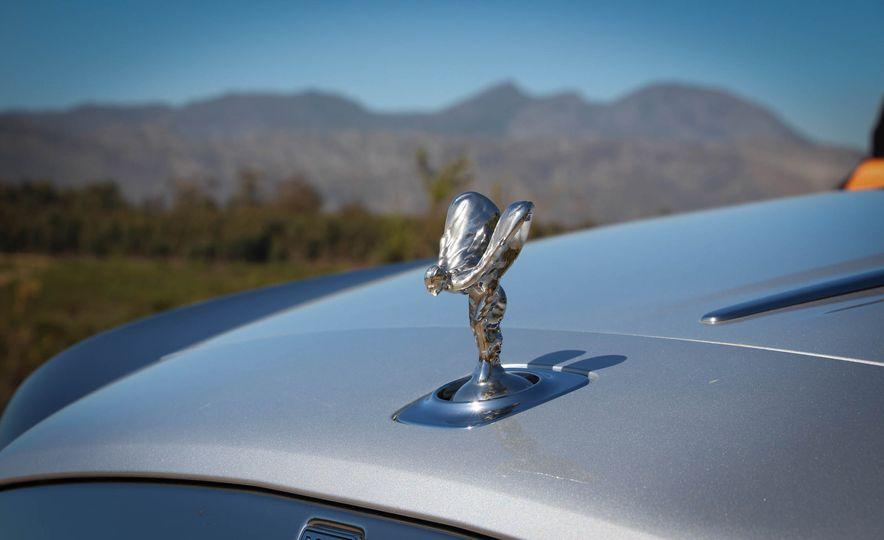 2016 Rolls-Royce Dawn - Slide 40
