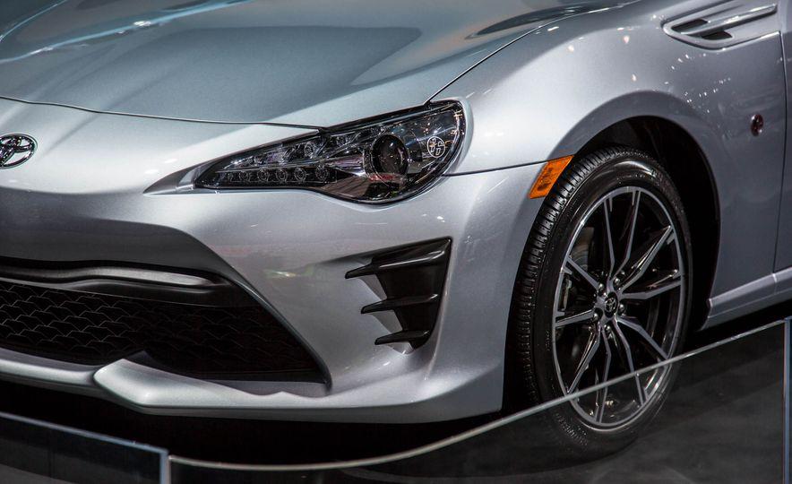 2017 Toyota 86 - Slide 10