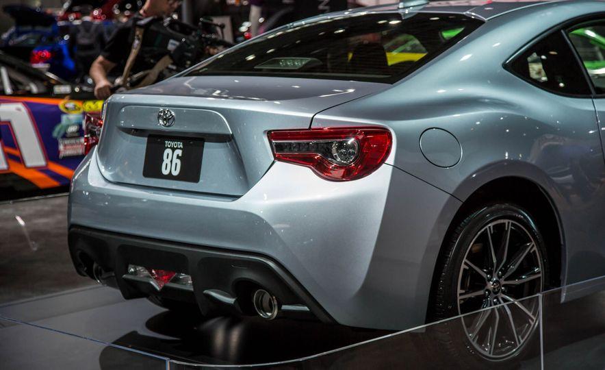 2017 Toyota 86 - Slide 12