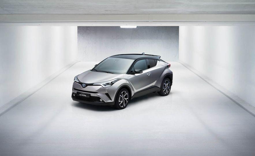 2017 Toyota C-HR - Slide 20