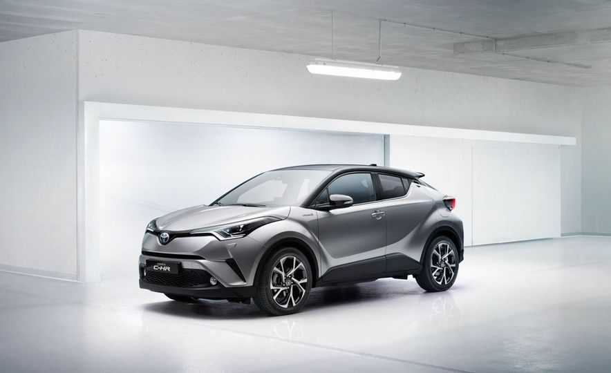 2017 Toyota C-HR - Slide 21