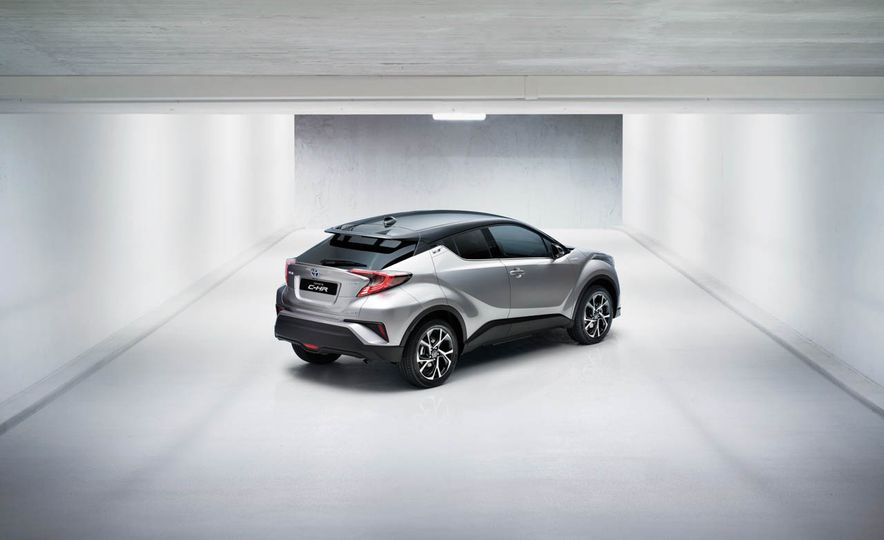 2017 Toyota C-HR - Slide 23