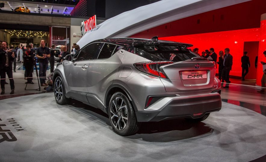 2017 Toyota C-HR - Slide 5